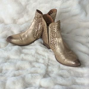 Seychelles Distressed Gold Boots